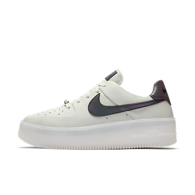 Nike WMNS Air Force 1 Sage Low LX productafbeelding