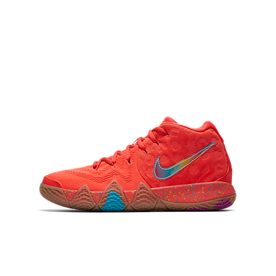 Nike Kyrie 4 Lucky Charms Mid-Top productafbeelding