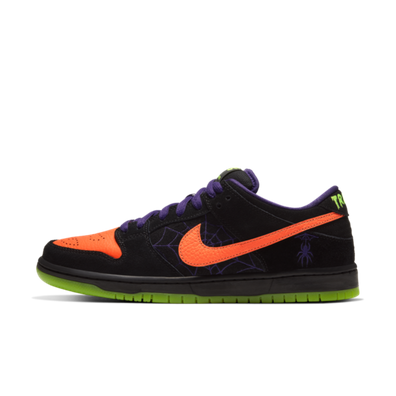 Nike SB Dunk Low 'Night of Mischief' productafbeelding