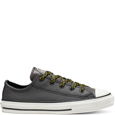 Little Kids Tumbled Leather Chuck Taylor All Star Low Top productafbeelding