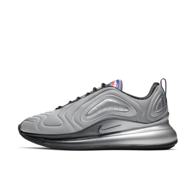 Nike Air Max 720 'Metallic Silver' productafbeelding