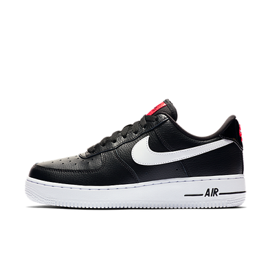 Nike WMNS Air Force 1 '07 SE productafbeelding