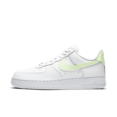 "Nike WMNS Air Force 1 07 ""Barely Volt"" productafbeelding"