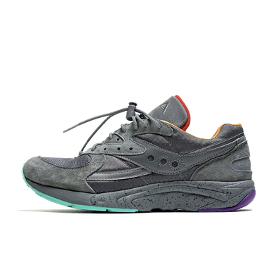 Raised by Wolves x Saucony Aya 'Asphalt Jungle' productafbeelding