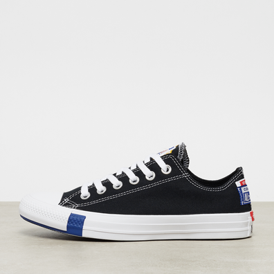 Chuck Taylor All Star Logo Stacked OX productafbeelding