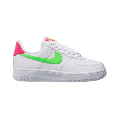 "Nikes ""Nike Air Force 1 07"" productafbeelding"