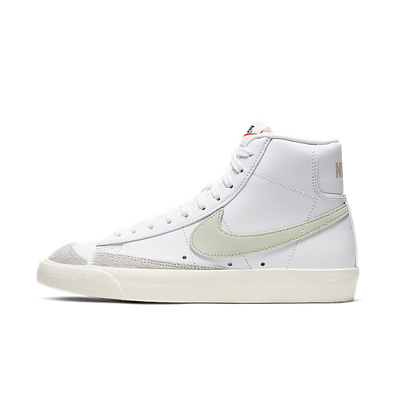 Nike Blazer Mid 77 Vintage Light Bone productafbeelding