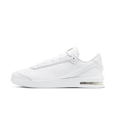 NikeCourt Air Max Vapor Wing Triple White productafbeelding