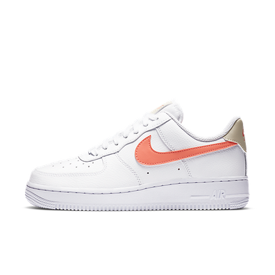 Nike WMNS Air Force 1 07 productafbeelding