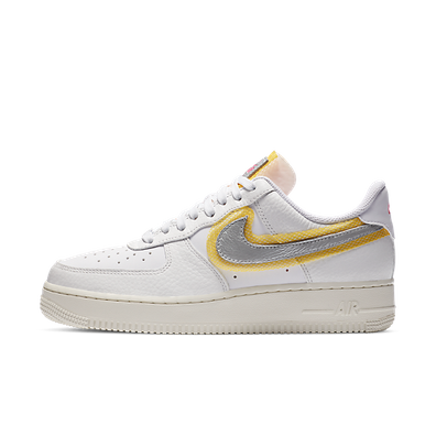 Nike Air Force 1 LX 'White/Gold' productafbeelding