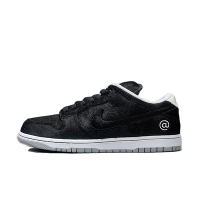 Medicom Toy X Nike SB Dunk Low 'Be@rbrick' productafbeelding