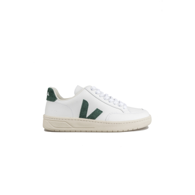 Veja V12 W Extra White Cyprus productafbeelding