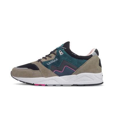 Karhu Aria 95 'Vetiver' True To Form pack productafbeelding