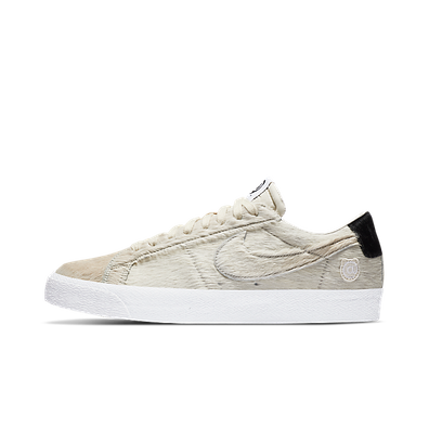 Medicom Toy X Nike SB Blazer Low 'Light Cream' productafbeelding