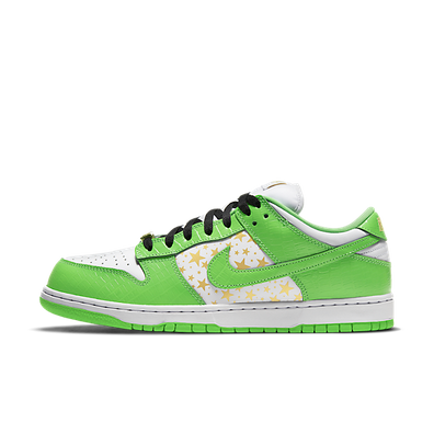 Supreme X Nike SB Dunk Low 'Mean Green' productafbeelding