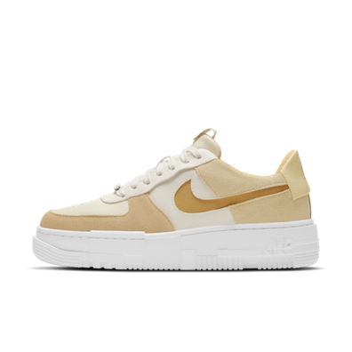 Nike WMNS Air Force 1 Pixel 'Coconut Milk' productafbeelding