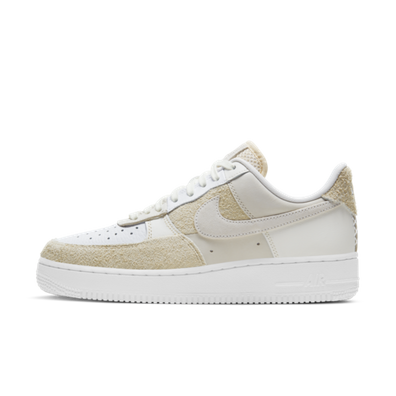 Nike WMNS Air Force 1 '07 'Coconut Milk' productafbeelding