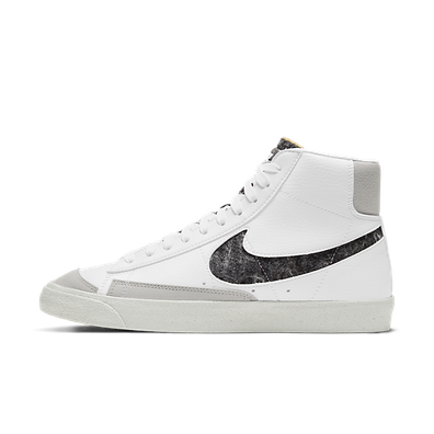 Nike Blazer Mid '77 White/White-Lt Smoke Grey-Bright Crimson productafbeelding
