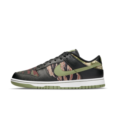 Nike Dunk Low SE Camo 'Oil Green' productafbeelding