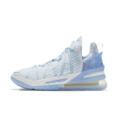 Nike Lebron 18 'Play for the Future' productafbeelding