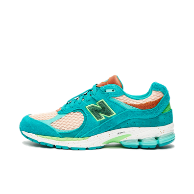 Salehe Bembury x New Balance 2002R 'Water Be The Guide' productafbeelding