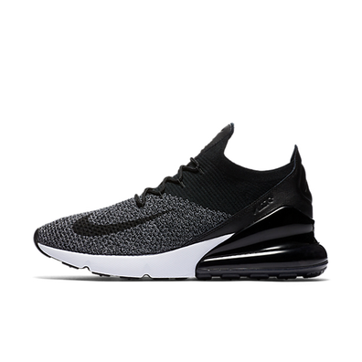 Nike Air Max 270 Flyknit 'Oreo' productafbeelding