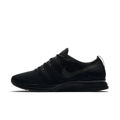 Nike Flyknit Trainer 'Triple Black' productafbeelding