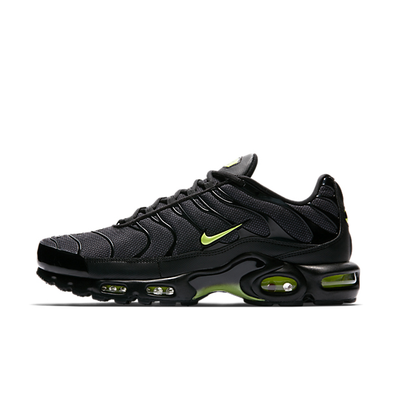Nike Air Max Plus SE 'Black/Volt Glow' productafbeelding