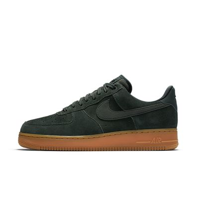 Nike Air Force 1 '07 LV8 Suede Sneakers Heren productafbeelding