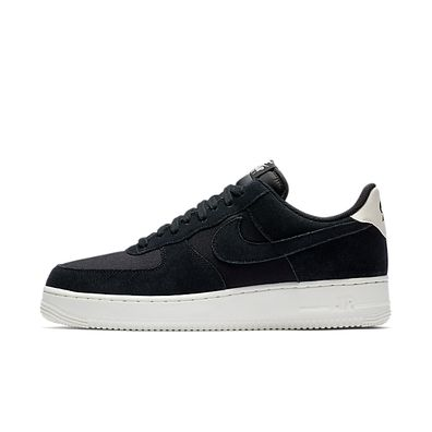 Nike Air Force 1 '07 Suede Sneakers Heren productafbeelding