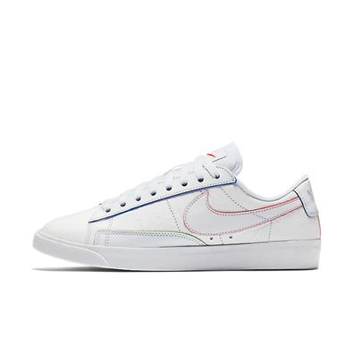 Nike WMNS Blazer Low Triple White productafbeelding