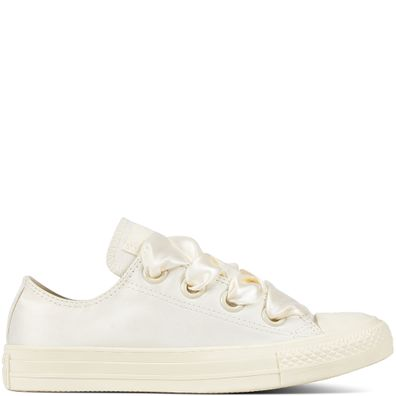 Chuck Taylor All Star Big Eyelet Satin productafbeelding