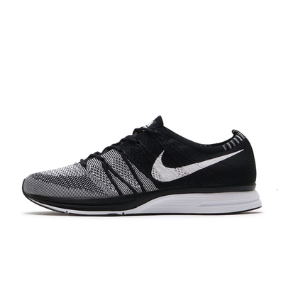 Nike Flyknit Trainer 'Oreo' productafbeelding