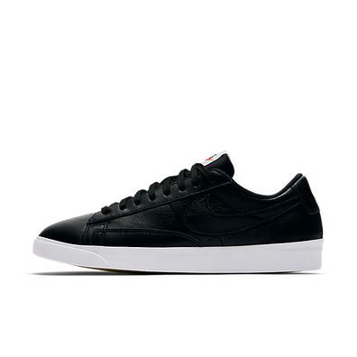 Nike Wmns Blazer Low LE productafbeelding