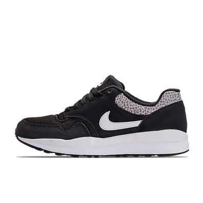 Nike Air Safari 'Black/White' productafbeelding