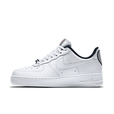 Nike Air Force 1 07 SE LX 'Valentine' productafbeelding