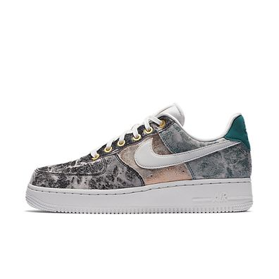 """Nike WMNS Air Force 1 07 LXX """"Summit White""""' productafbeelding"""