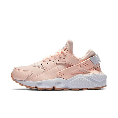 Nike Wmns Air Huarache Run (Sunset Tint / White - Gum Yellow) productafbeelding