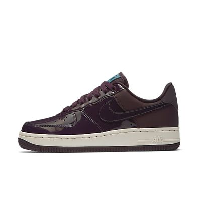 Nike Wmns Air Force 1 '07 SE PRM *Beautiful x Powerful* (Port Wine / productafbeelding