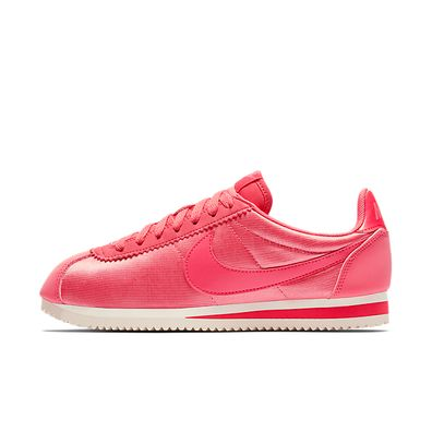 Nike Wmns Classic Cortez Nylon (Sea Coral / Sea Coral - Tropical Pink productafbeelding