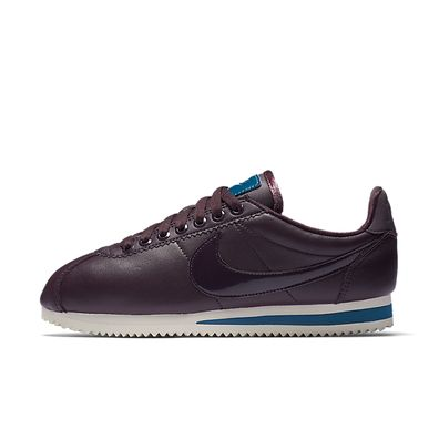Nike Wmns Cortez Classic SE PRM *Beautiful x Powerful* (Port Wine / Po productafbeelding