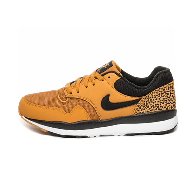Nike Air Safari (Desert Ochre / Desert Ochre - Black - White) productafbeelding