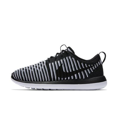 W Nike Roshe Two Flyknit productafbeelding