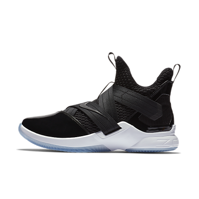 LeBron Soldier 12 SFG  productafbeelding