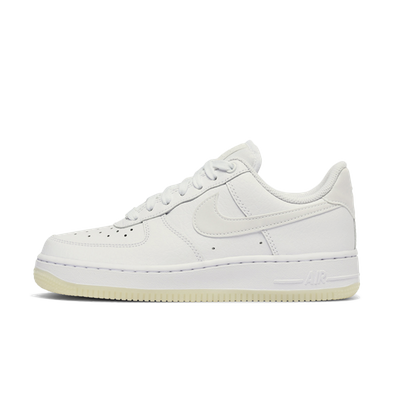 Nike WMNS Air Force 1 '07 Essential productafbeelding