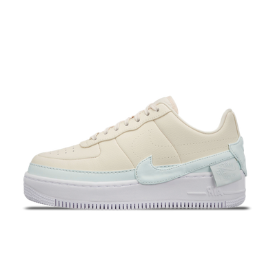 Nike WMNS Air Force 1 Jester XX 'Light Yellow' productafbeelding