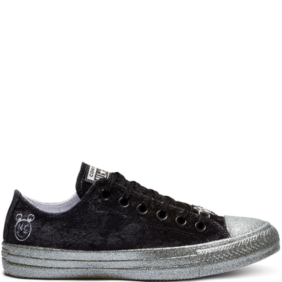Converse x Miley Cyrus Chuck Taylor All Star Low Top Velvet productafbeelding