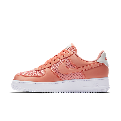 Nike Wmn Air Force 1 `07 SE Coral productafbeelding