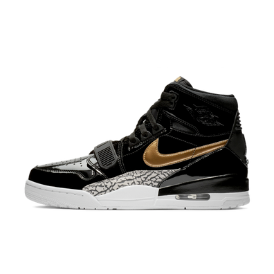 Air Jordan Legacy 312 'Black & Gold' productafbeelding