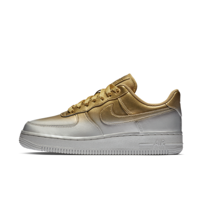 Nike Air Force 1 Low 'Silver & Gold' productafbeelding